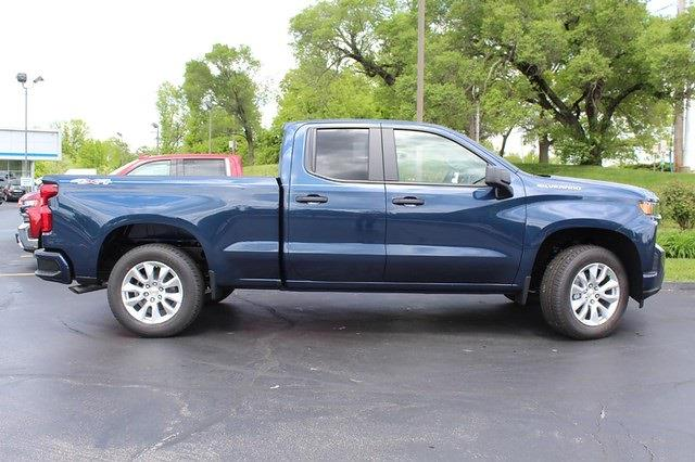 2021 Chevrolet Silverado 1500 Double Cab 4x4, Pickup #T13432 - photo 3