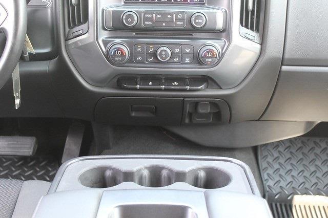 2015 Chevrolet Silverado 2500 Crew Cab 4x4, Pickup #T13609A - photo 20