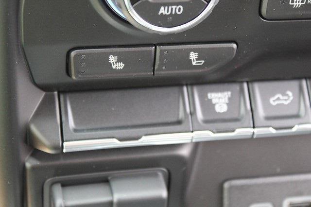 2021 Chevrolet Silverado 3500 Crew Cab 4x4, Pickup #T13651 - photo 11