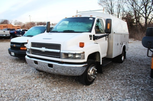 2004 Chevrolet C5500 Regular Cab RWD, Service Body #T8569A - photo 1