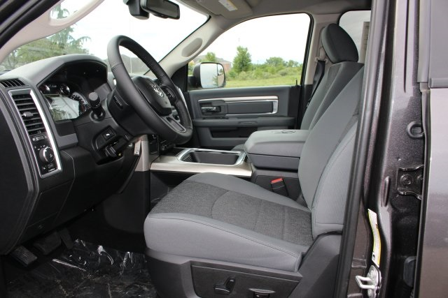 2018 Ram 3500 Crew Cab DRW 4x4,  Pickup #183207 - photo 17