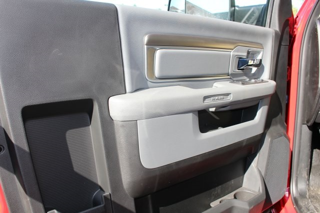 2018 Ram 3500 Regular Cab DRW 4x4,  Cab Chassis #183353 - photo 10