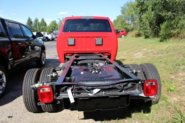 2018 Ram 3500 Regular Cab DRW 4x4,  Cab Chassis #183353 - photo 2