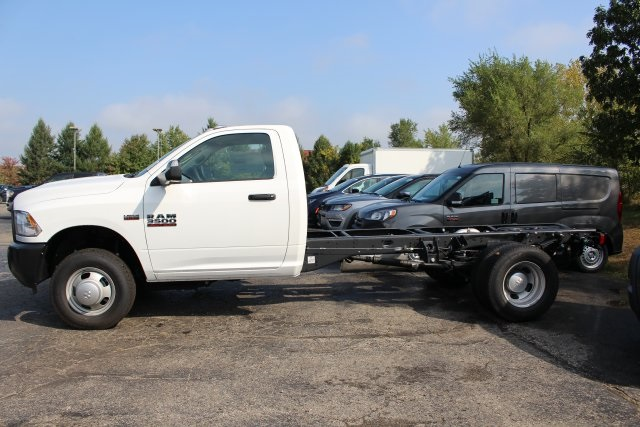 2018 Ram 3500 Regular Cab DRW 4x4,  Cab Chassis #183368 - photo 3