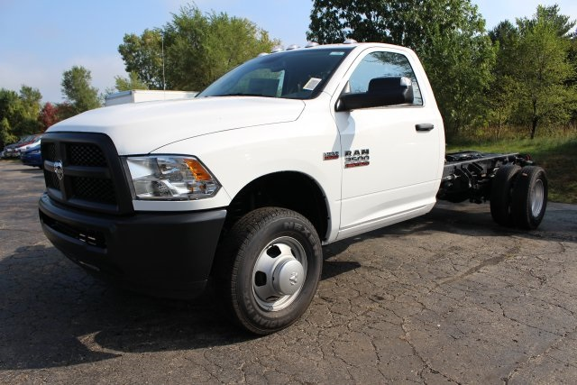 2018 Ram 3500 Regular Cab DRW 4x4,  Cab Chassis #183368 - photo 8
