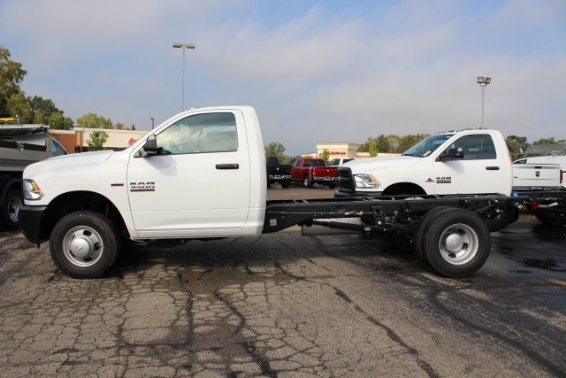 2018 Ram 3500 Regular Cab DRW 4x4,  Cab Chassis #183372 - photo 4