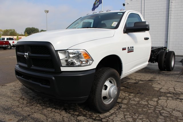 2018 Ram 3500 Regular Cab DRW 4x4,  Cab Chassis #183372 - photo 9