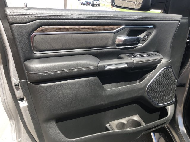 2020 Ram 1500 Crew Cab 4x4, Pickup #R104341 - photo 11