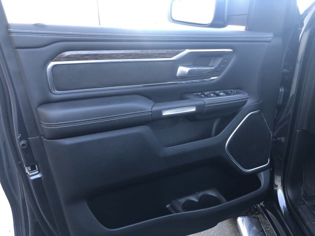 2020 Ram 1500 Crew Cab 4x4, Pickup #R104350 - photo 11