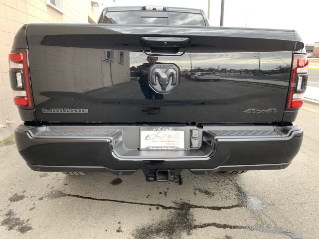 2020 Ram 3500 Crew Cab 4x4, Pickup #R114135 - photo 4
