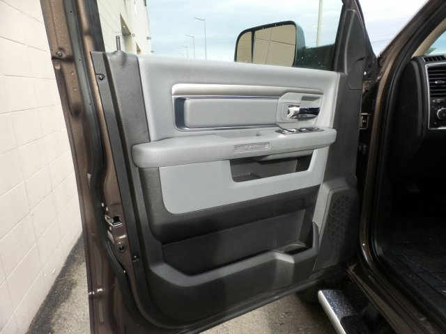 2018 Ram 3500 Crew Cab DRW 4x4,  Pickup #R401543 - photo 10