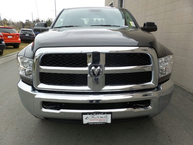 2018 Ram 3500 Crew Cab 4x4,  Pickup #R423039 - photo 8