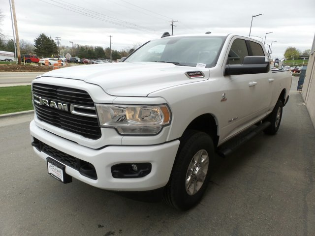 2019 Ram 3500 Crew Cab 4x4, Pickup #R526302 - photo 6