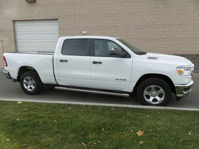 2019 Ram 1500 Crew Cab 4x4,  Pickup #R554181 - photo 4