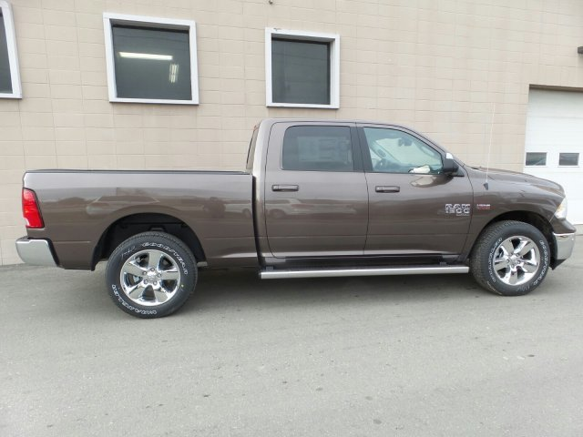 2019 Ram 1500 Crew Cab 4x4,  Pickup #R577186 - photo 3