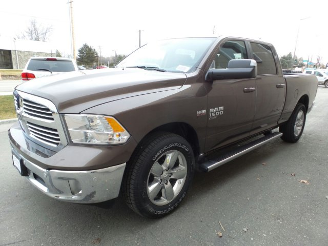 2019 Ram 1500 Crew Cab 4x4,  Pickup #R577186 - photo 6