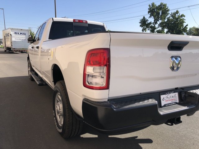 2019 Ram 3500 Crew Cab 4x4, Pickup #R628882 - photo 3