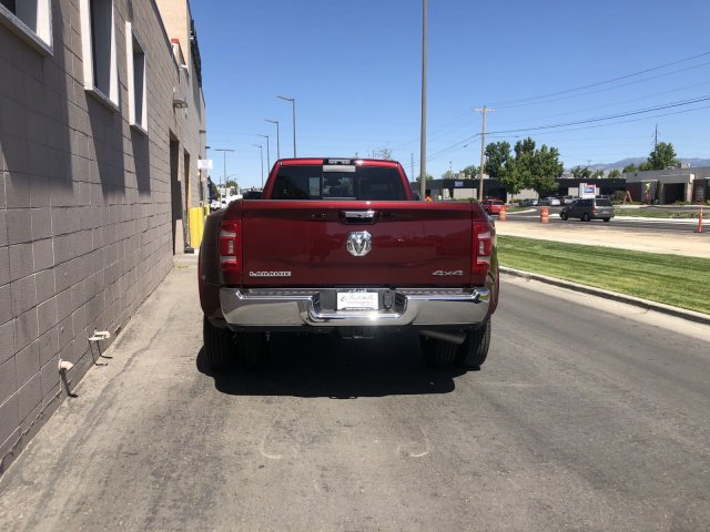 2019 Ram 3500 Crew Cab DRW 4x4, Pickup #R638829 - photo 4