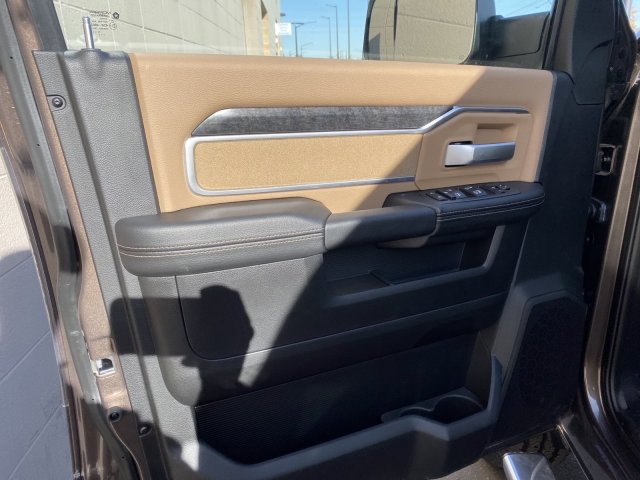 2019 Ram 3500 Crew Cab 4x4, Pickup #R644363 - photo 11