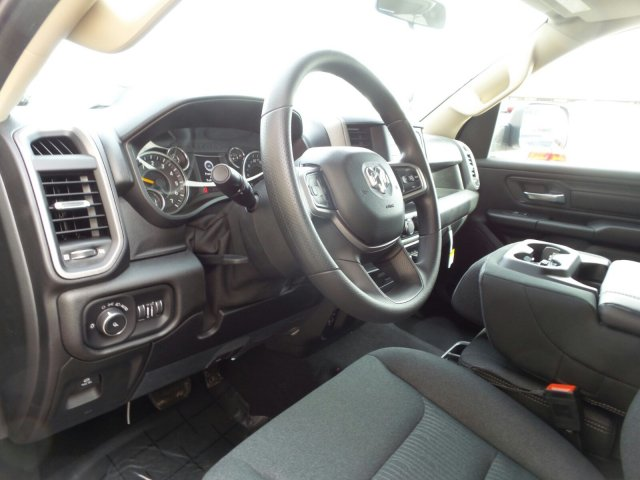 2019 Ram 1500 Crew Cab 4x4,  Pickup #R652896 - photo 11