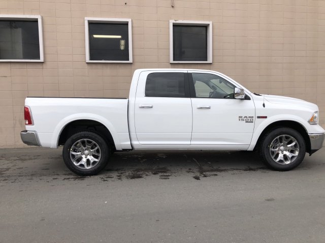 2019 Ram 1500 Crew Cab 4x4, Pickup #R710135 - photo 3