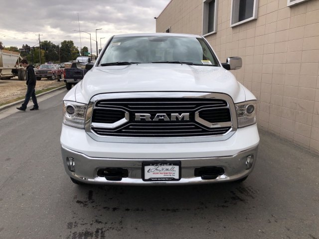 2019 Ram 1500 Crew Cab 4x4, Pickup #R710135 - photo 9