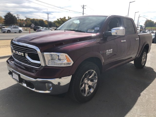 2019 Ram 1500 Crew Cab 4x4, Pickup #R710137 - photo 4