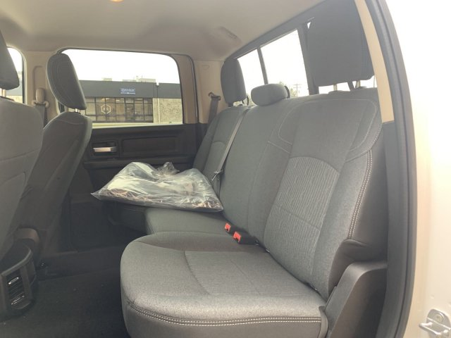 2019 Ram 2500 Crew Cab 4x4, Pickup #R714742 - photo 9