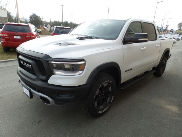2019 Ram 1500 Crew Cab 4x4,  Pickup #R746882 - photo 6