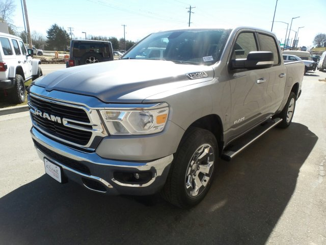 2019 Ram 1500 Crew Cab 4x4,  Pickup #R754938 - photo 4