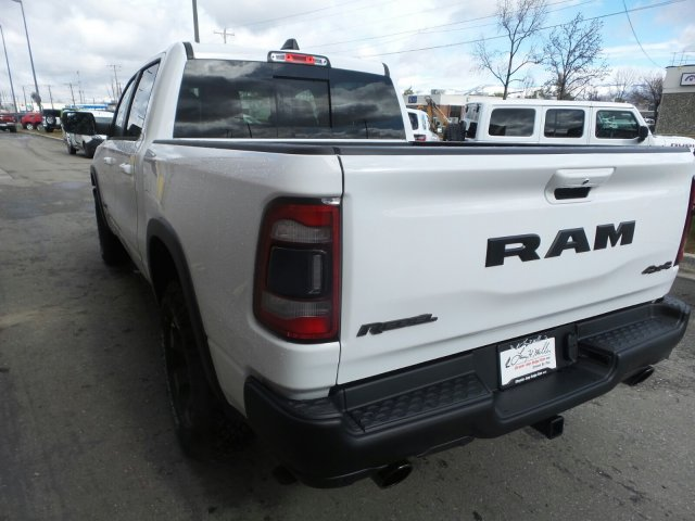 2019 Ram 1500 Crew Cab 4x4,  Pickup #R759658 - photo 4