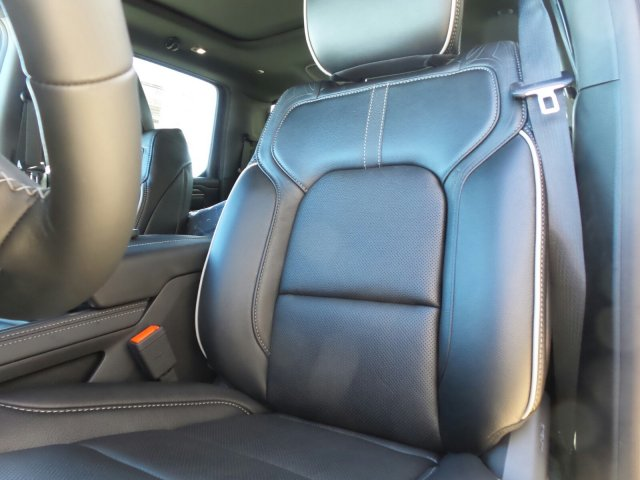 2019 Ram 1500 Crew Cab 4x4,  Pickup #R773720 - photo 10