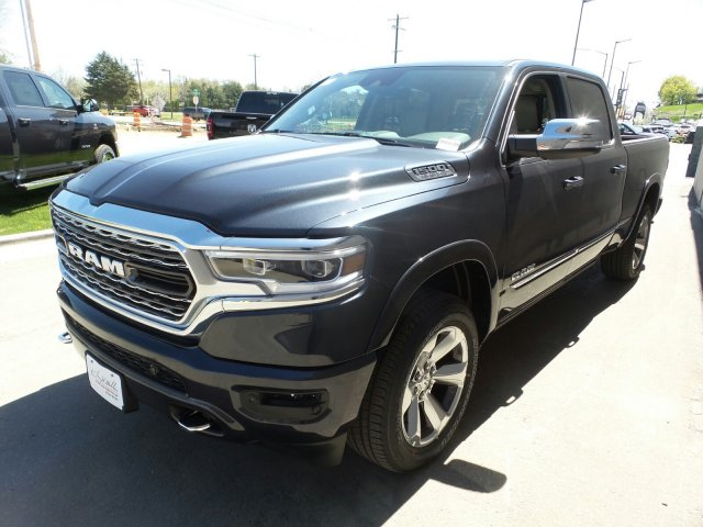 2019 Ram 1500 Crew Cab 4x4,  Pickup #R816389 - photo 7