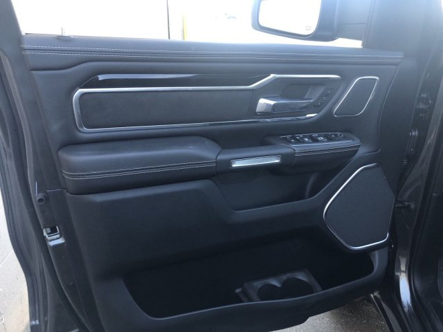 2019 Ram 1500 Crew Cab 4x4, Pickup #R902972 - photo 13