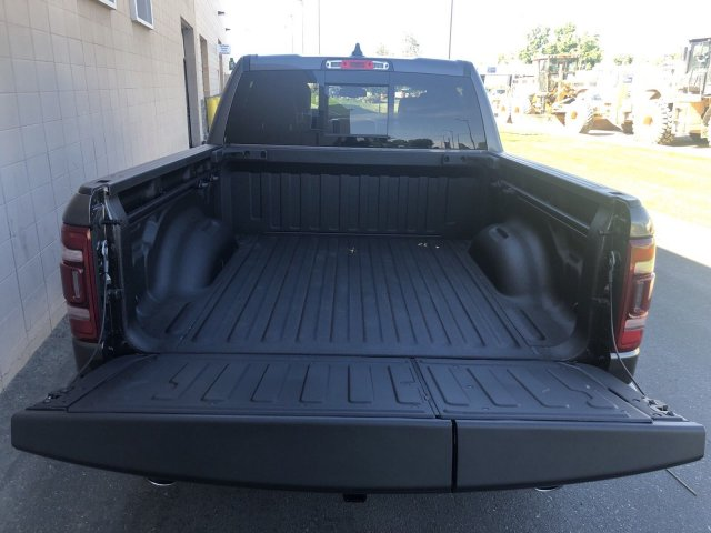 2019 Ram 1500 Crew Cab 4x4, Pickup #R902972 - photo 6