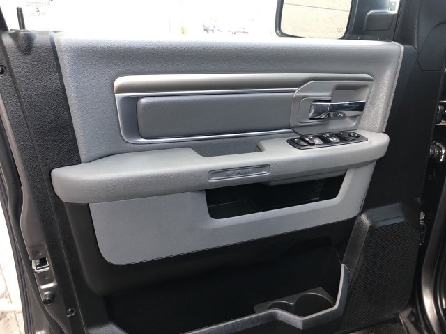 2019 Ram 1500 Crew Cab 4x4, Pickup #U513167 - photo 12