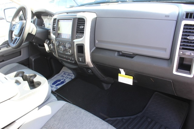 2018 Ram 1500 Crew Cab 4x2,  Pickup #355276 - photo 29