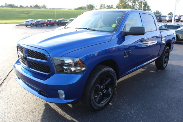 2019 Ram 1500 Crew Cab 4x2,  Pickup #514734 - photo 4