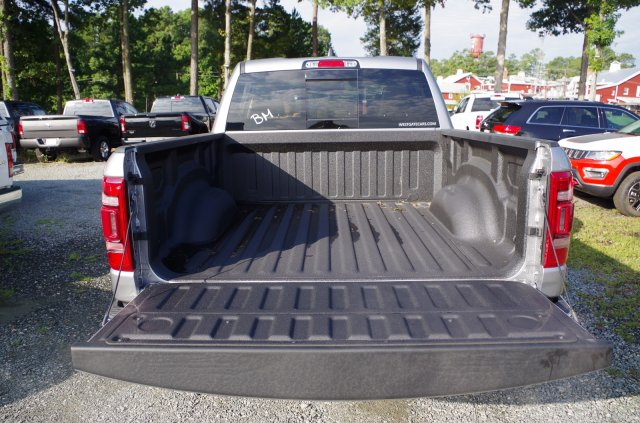 2019 Ram 1500 Crew Cab 4x4,  Pickup #D31387 - photo 6