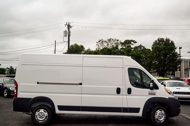 2018 ProMaster 2500 High Roof FWD,  Empty Cargo Van #N18-7011 - photo 3