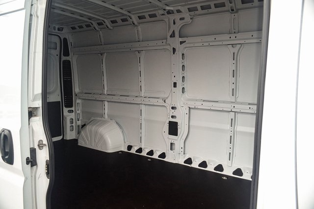 2018 ProMaster 2500 High Roof FWD,  Empty Cargo Van #N18-7215 - photo 21