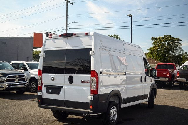 2018 ProMaster 1500 High Roof FWD,  Empty Cargo Van #N18-7216 - photo 4