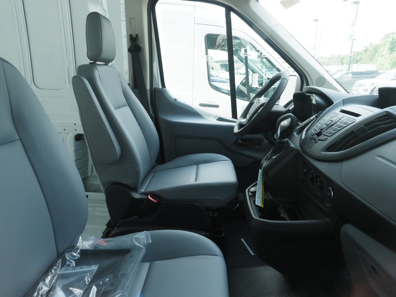2018 Transit 250 Med Roof 4x2,  Empty Cargo Van #18T0948 - photo 4