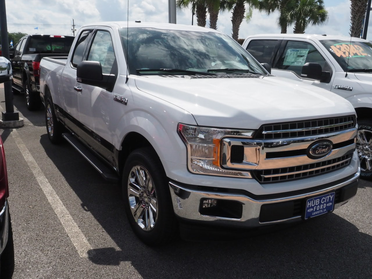 2018 F-150 Super Cab 4x2,  Pickup #18T1070 - photo 4