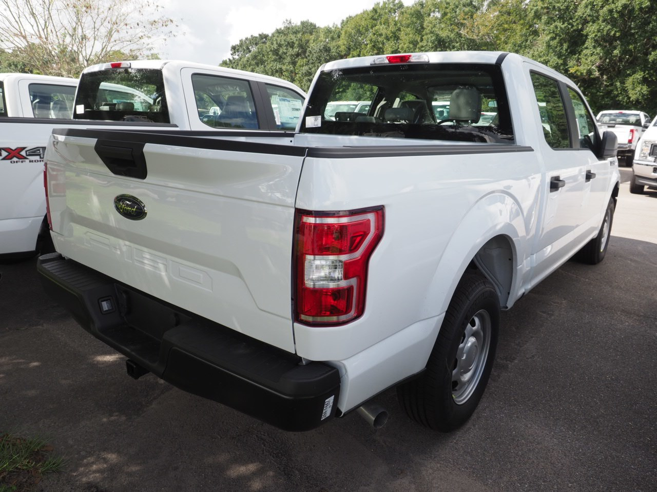 2018 F-150 SuperCrew Cab 4x2,  Pickup #18T1404 - photo 8