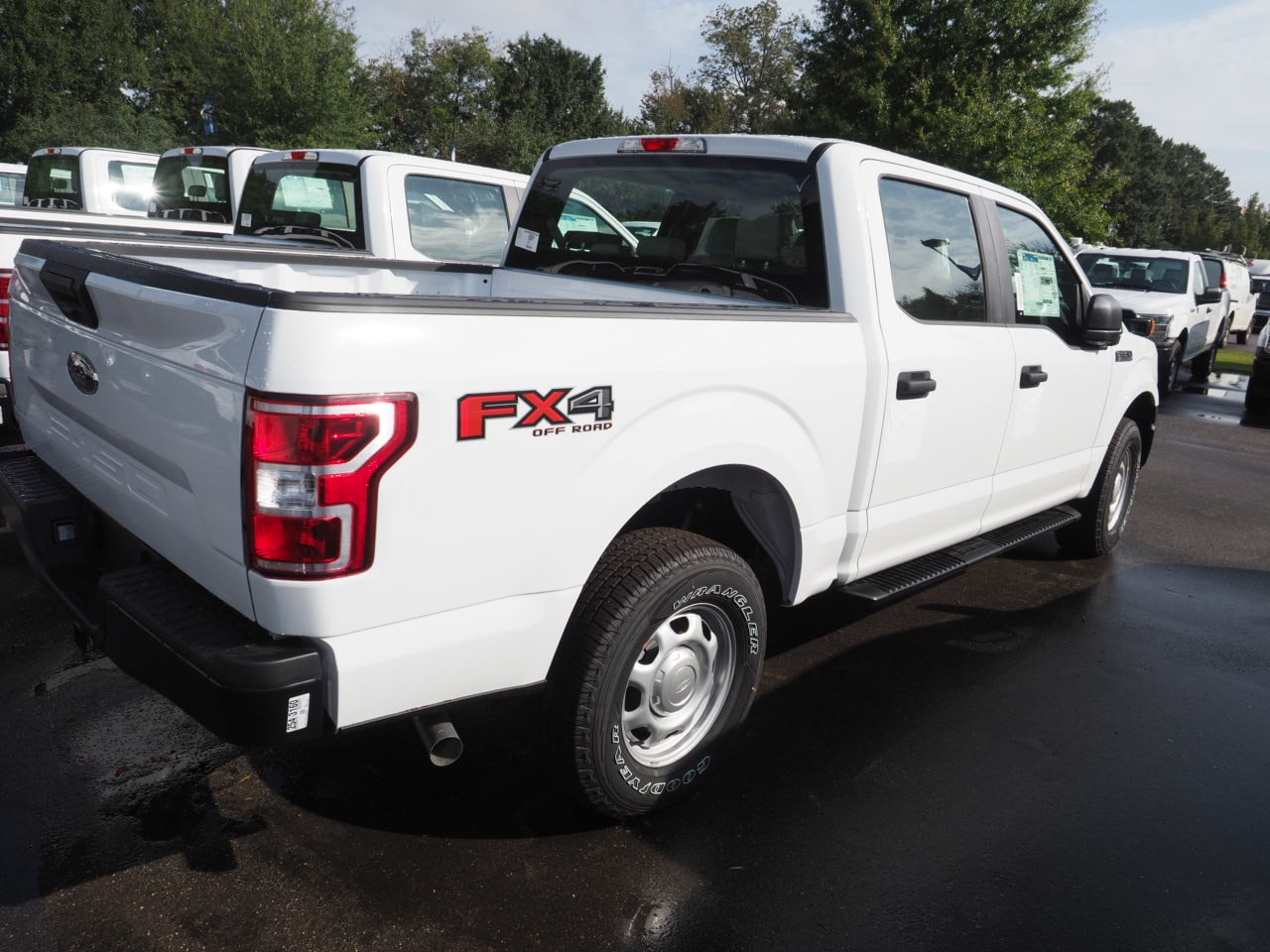 2018 F-150 SuperCrew Cab 4x4,  Pickup #18T1513 - photo 9