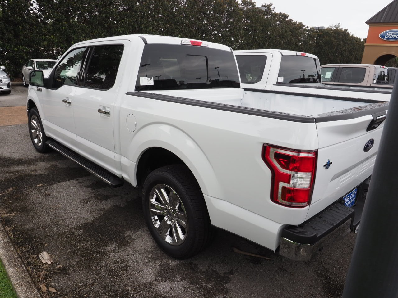 2018 F-150 SuperCrew Cab 4x2,  Pickup #18T1529 - photo 2