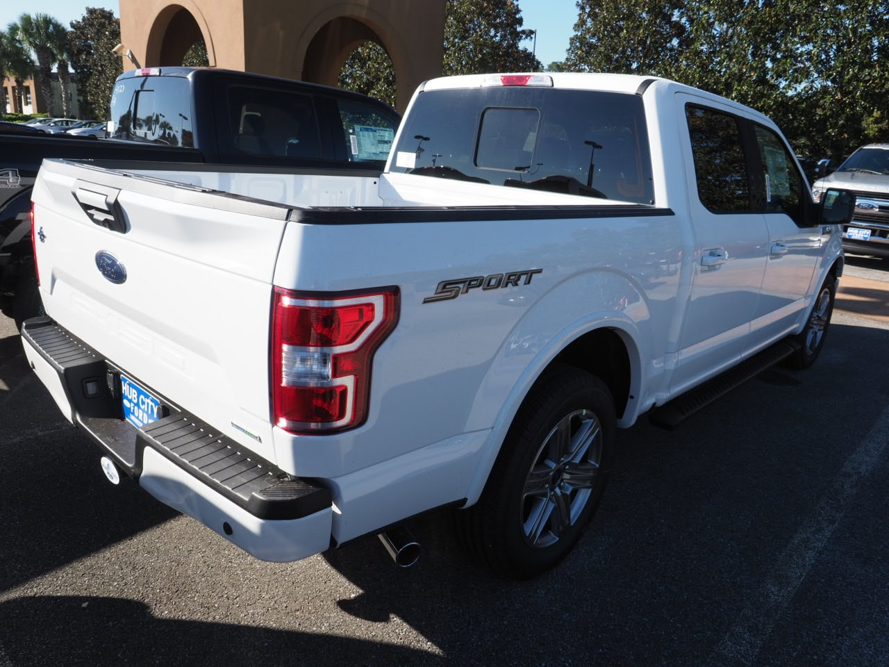 2018 F-150 SuperCrew Cab 4x2,  Pickup #18T1570 - photo 9