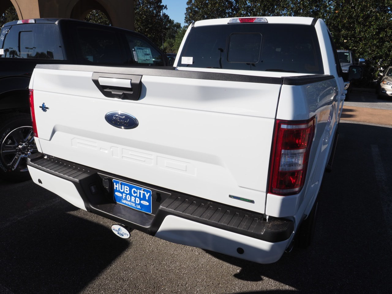2018 F-150 SuperCrew Cab 4x2,  Pickup #18T1570 - photo 10