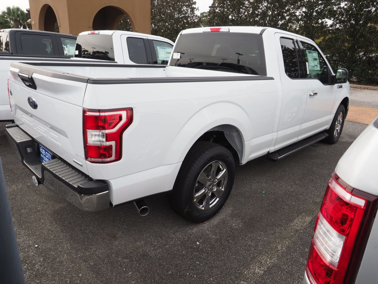 2018 F-150 Super Cab 4x2,  Pickup #18T1573 - photo 9